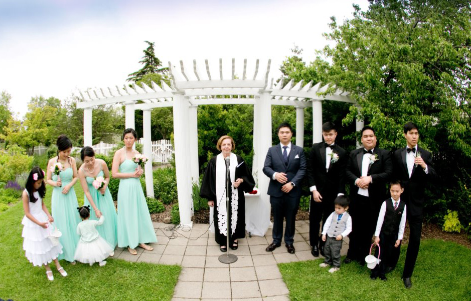 NYC Best Wedding Officiants for ceremonies - Queens Botanical Garden NY